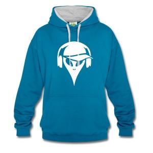 alien-mit-baseballmuetze-und-kopfhoerer-kontrast-hoodie