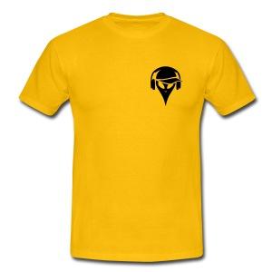 alien-mit-baseballmuetze-und-kopfhoerer-maenner-t-shirt